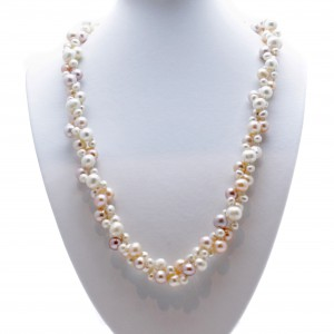 Rope Length Pearl Necklace